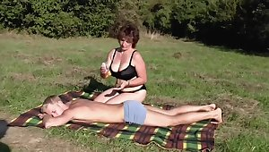 Brunette BBW-Milf Outdoors wits Young Guy