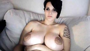 Busty MILF toys her pussy heavens webcam