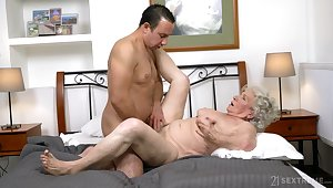Granny gets the dick in both holes and loves the jizz on light