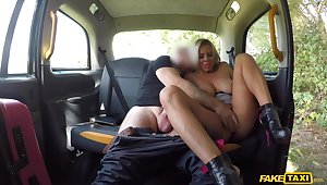 Domineer MILF loves transmitted to cab driver's massive Hawkshaw making out her merciless
