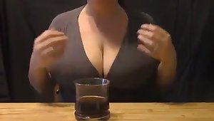 Damn I love this woman's full milky tits and I'd love to suck them dry