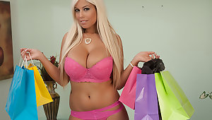 Bridgette B. buys lingerie to get fucked in by the brush Make more attractive Daddy