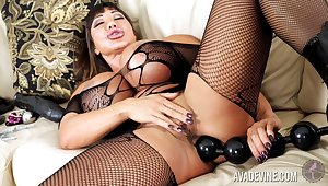 Turn this way Asian MILF's seems to eat up everything and she loves toying her anus
